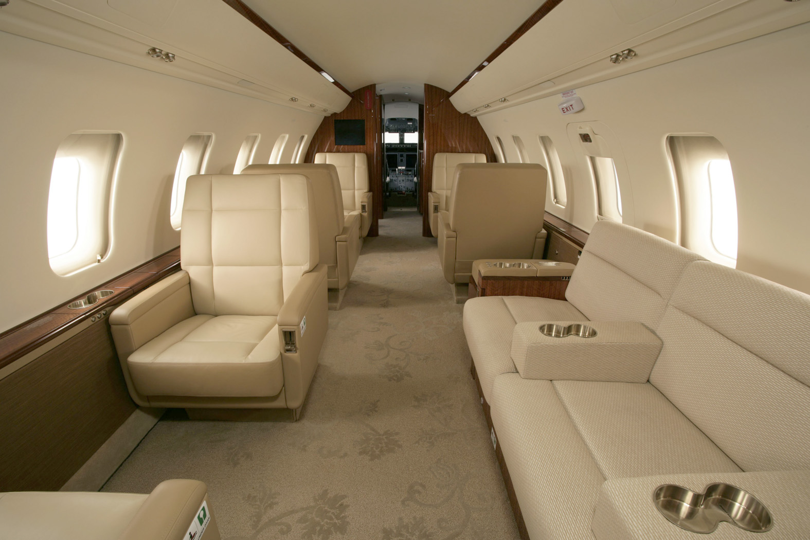 Interior of BOMBARDIER CHALLENGER 604 605