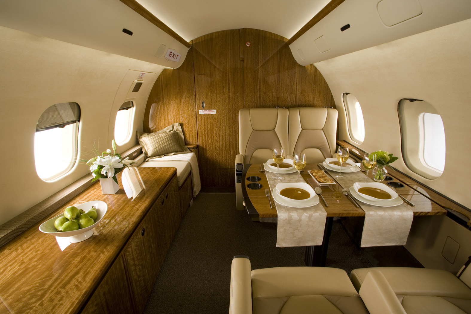 Interior of BOMBARDIER GLOBAL 5000