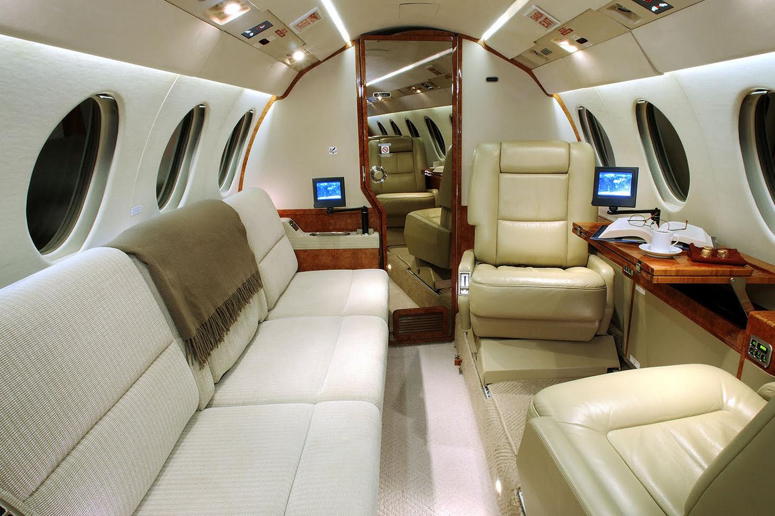 Interior of DASSAULT FALCON 50 50EX