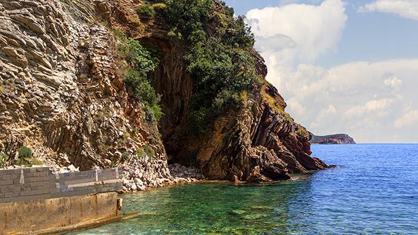Aman Sveti Stefan Underwater Caves