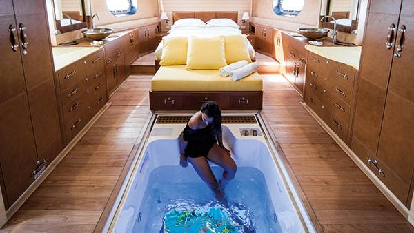 Aqua: Interior