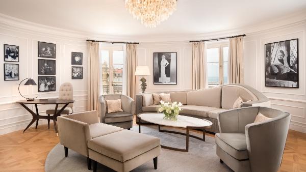Bette Davis Suite living room