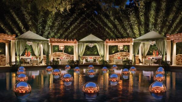 Costa di Mare dining cabanas, Barbara Kraft at the Wynn, Las Vegas