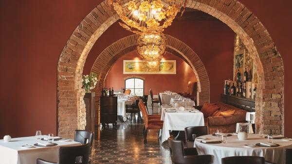 Ristorante Tosca, main dining area at the Castello di Casole