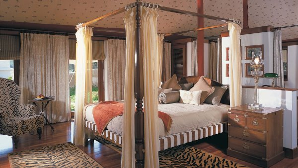 'Traditional Majesty' Luxury tent at the Oberoi Vanyavilas Rajasthan, India