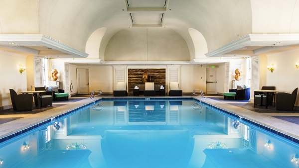 Relaxation spa pool
