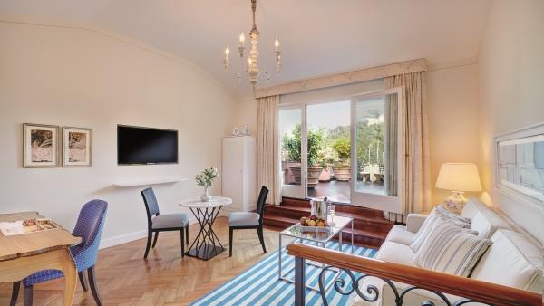 Suite living room at Belmond Hotel Splendido