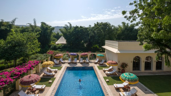 Swimming pool at the Oberoi Vanyavilas Rajasthan, India