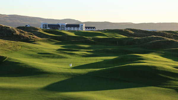 The Machrie Hotel overlooking the links golf course