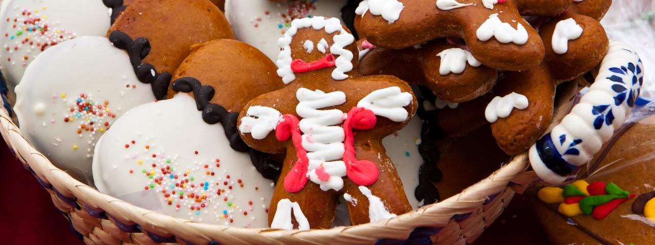 Festive gingerbread men