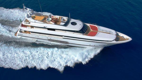 Balista cruising into Cannes