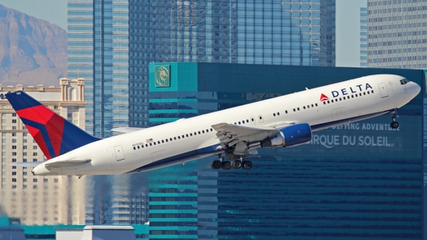 Delta Air Lines Boeing 767-300, Las Vegas