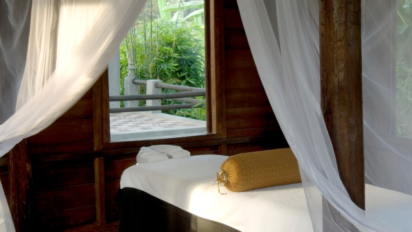Holistic Khmer traditions at the Amansara spa