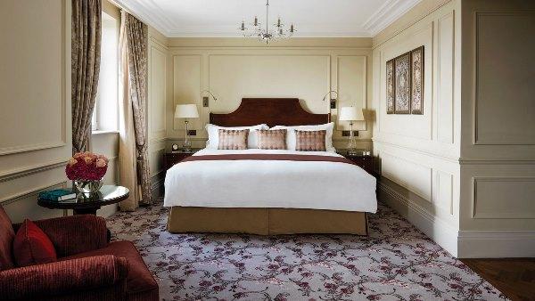 Grand Langham Club Room