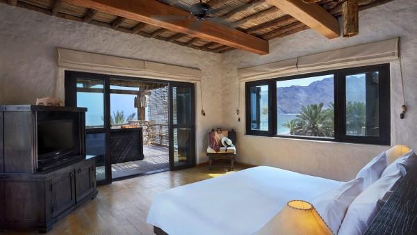 Two Bedroom Beachfront Retreat Master Bedroom