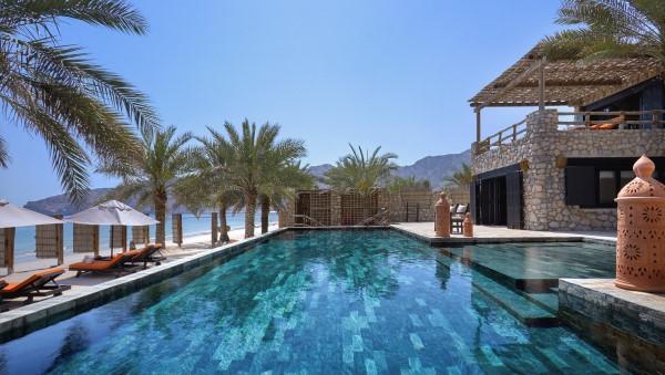 Four Bedroom Beachfront Reserve Infinity Pool