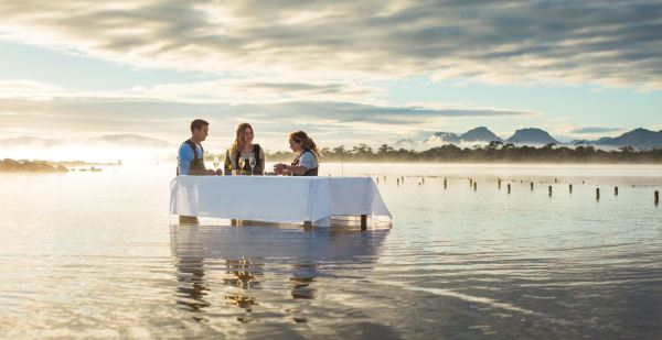 Oyster experience at Saffire Freycinet Resort