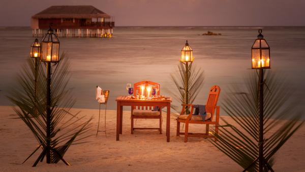 Visiting private island resorts