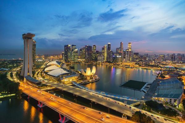 Сингапур в сумерках