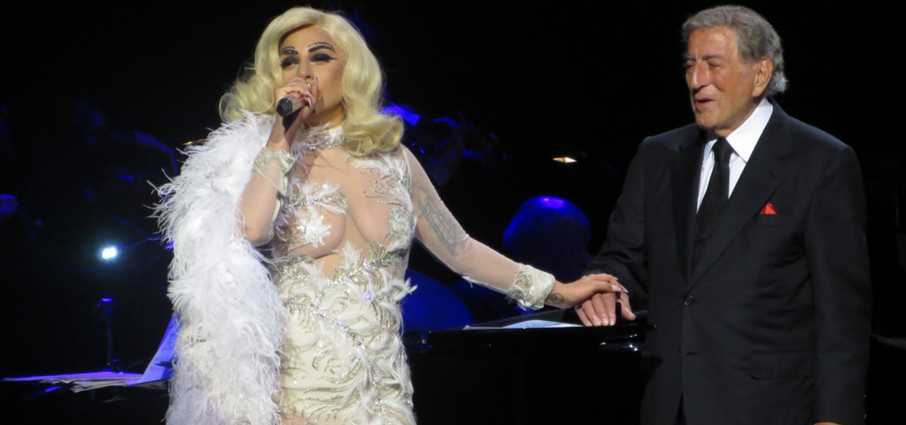 Lady Gaga singing with Tony Bennett