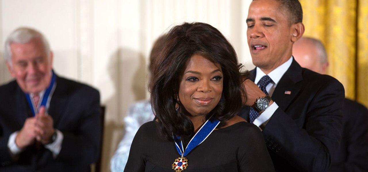 Oprah Winfrey awarded a medal by Barack Obama