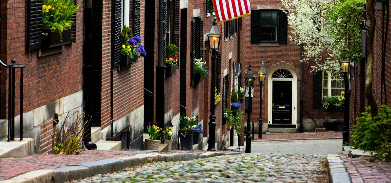 Picturesque Acorn Street in Boston, Massachusetts