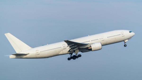 Boeing 777 taking off