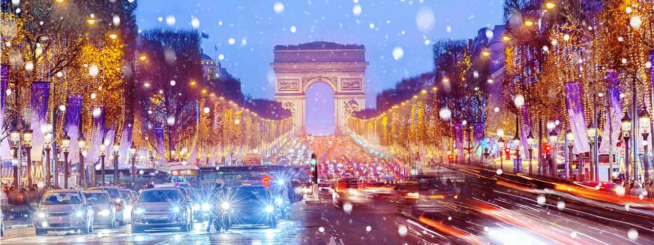 The Avenue des Champs-Élysées on a snowy night