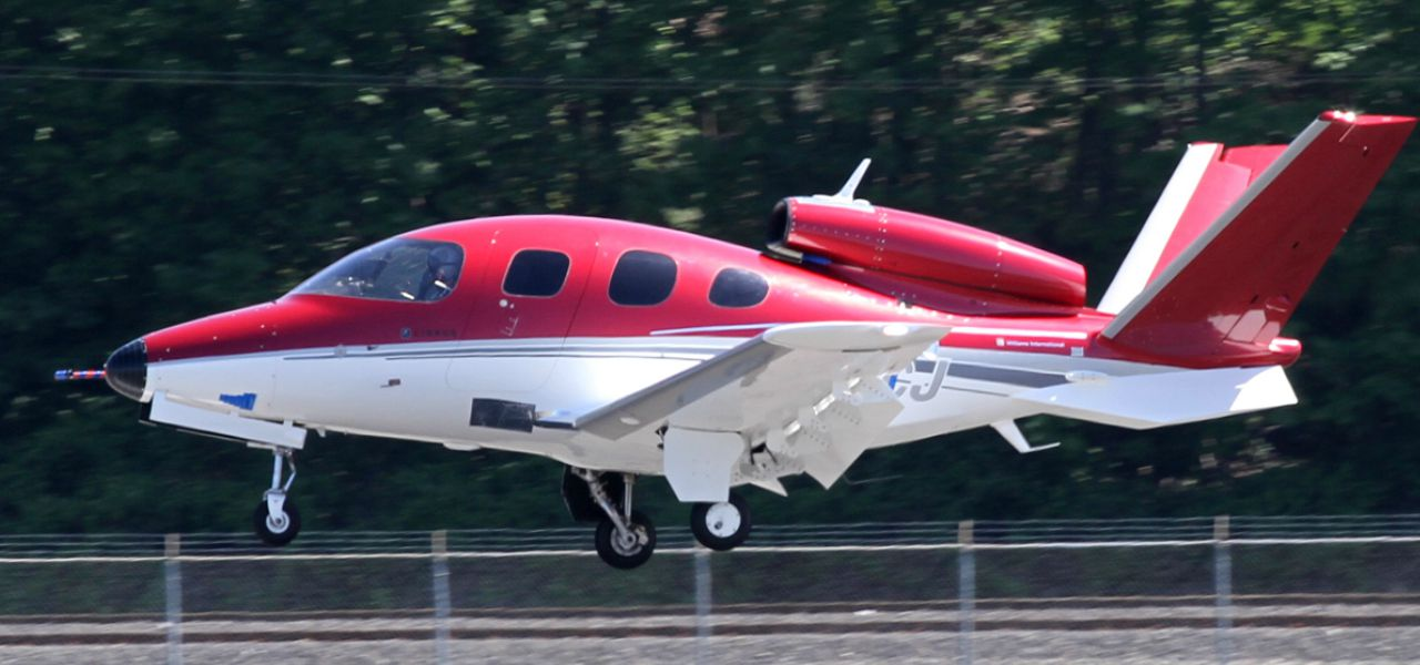 The tiny Cirrus Vision Jet landing