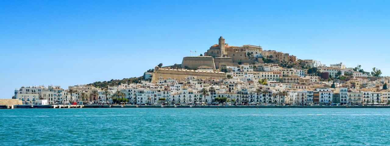 Alquiler de avión privado que le lleve a Ibiza