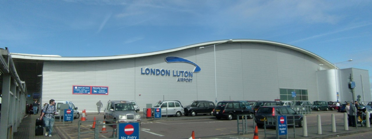 Private Jet Charter to Luton Airport