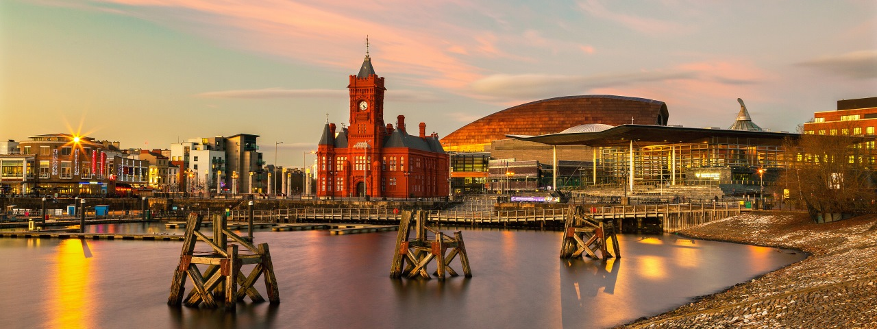 Private jet rental and flights to Cardiff
