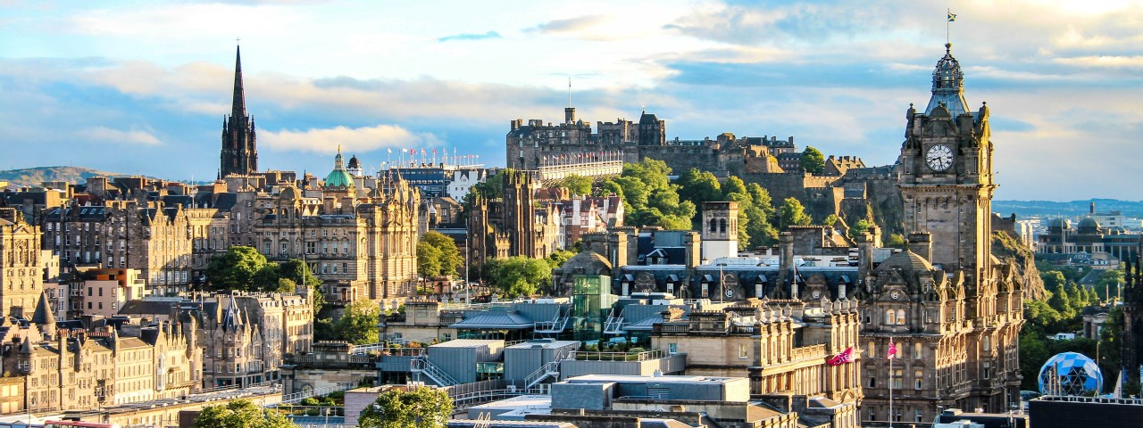 Private jet rental and flights to Edinburgh