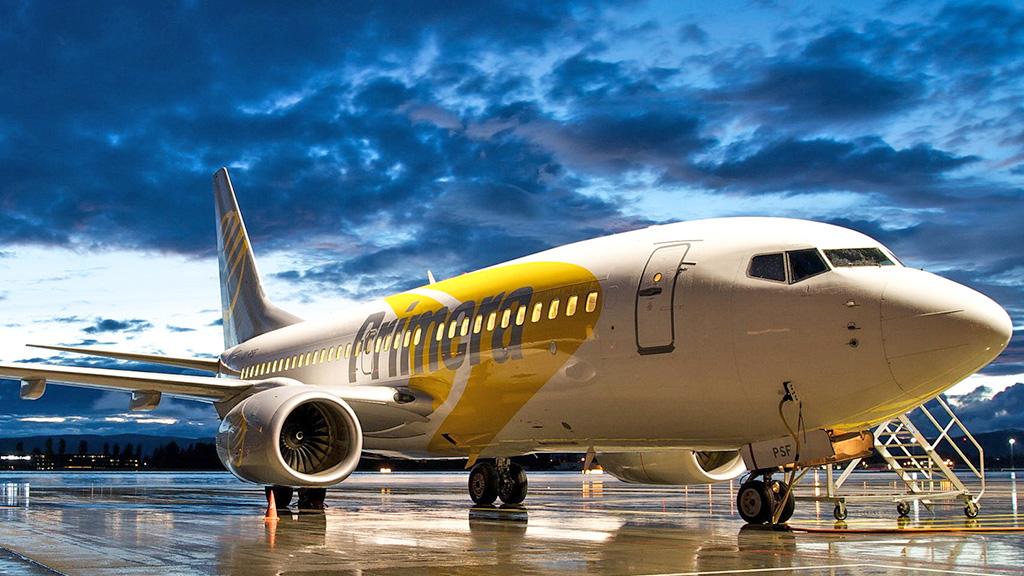BOEING 737-300 700